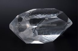 Quartz Crystals Are An Important Electronic Material
